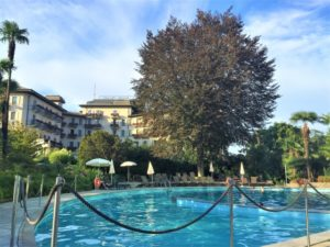 Regina Palace Hotel Stresa Pool bearbeitet klein