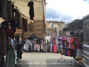 Lago Maggiore Markt in Luino Bild 3 bearbeitet klein