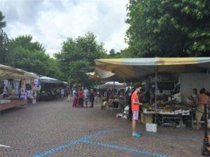 Omegna Der größte Markt Lago d'Orta Bild 5 bearbeitet klein