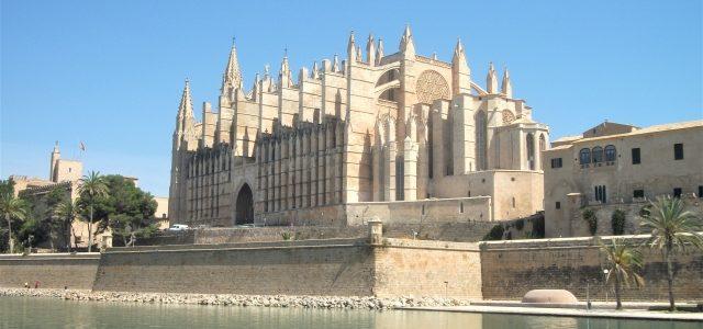 Geburtstag, Weihnachten und Co.: Geschenke für Mallorca-Fans