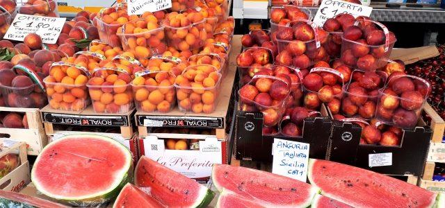 Montags am Lago Maggiore: Der Markt in Baveno