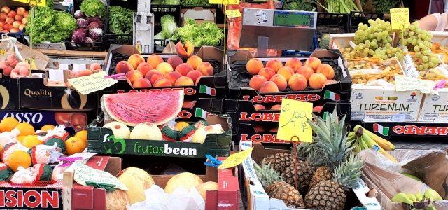 Donnerstags am Lago Maggiore: Der Markt in Angera