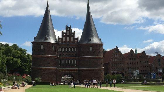 Rezension: Glücksorte in und um Lübeck von Beate König - Die bunte Christine