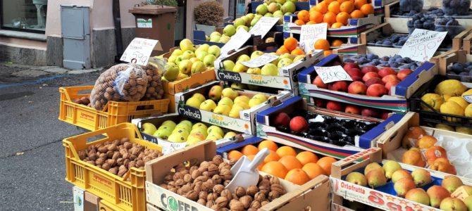 Mittwochs am Lago Maggiore: Der Markt in Sesto Calende