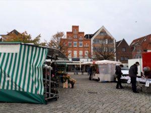 Markt in Travemünde Aufmacher 3 bearbeitet klein