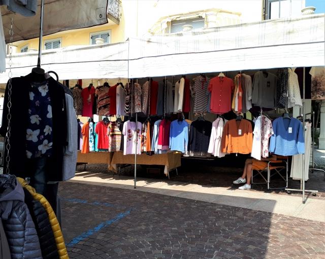 Donnerstags am Lago Maggiore: Der Markt in Feriolo - Die bunte Christine